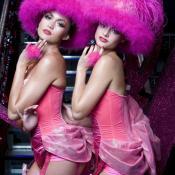 Focus sur le Pink Paradise : Le club de striptease le plus glamour de la capitale.